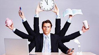Eclairage sur le recrutement des office managers : critères, profils, salaires…